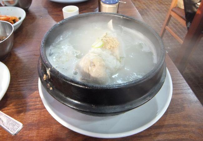 ペクチェサムゲタン (百済参鶏湯)