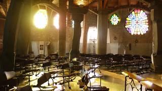 コロニア グエル教会