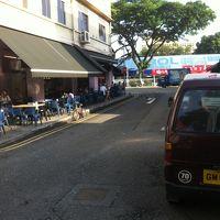 ホテル出て左側の道路