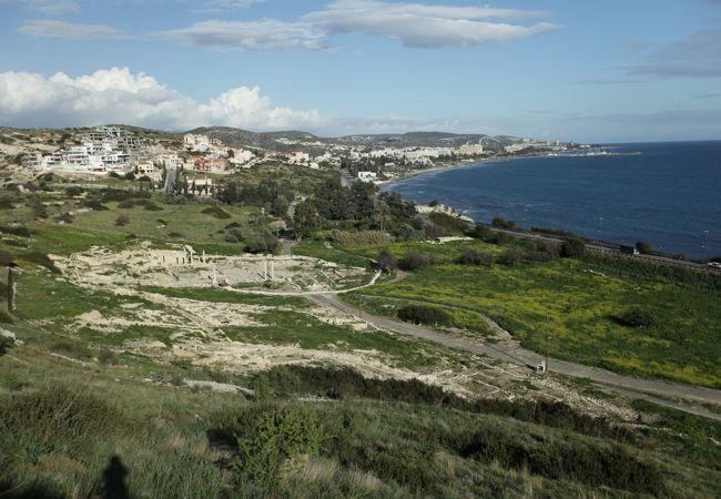 リマソルの中心街から東へ10キロにある古代都市、アクロポリスに登ると絶景