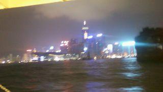 ビクトリア湾からのセントラル側夜景は最高!