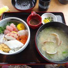 海鮮丼と貝汁☆