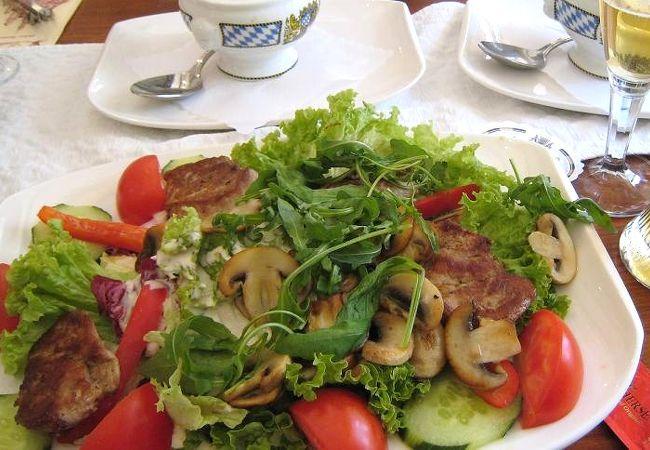 ボリューム満点のドイツ料理