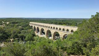 橋を眼下に、大パノラマ・ビュー!
