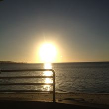 レンタカーだから好きなところで止まり、見れた夕陽