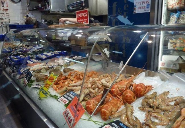 海産物も豊富、日本とは生き物が違うので観察だけでも楽しい