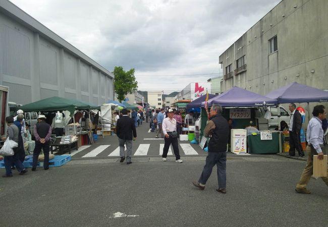 徳島びっくり日曜市