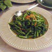 家庭的な雰囲気で,バンコクに行ったら必ず行く定番のタイ料理店