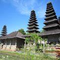 タマン アユン寺院