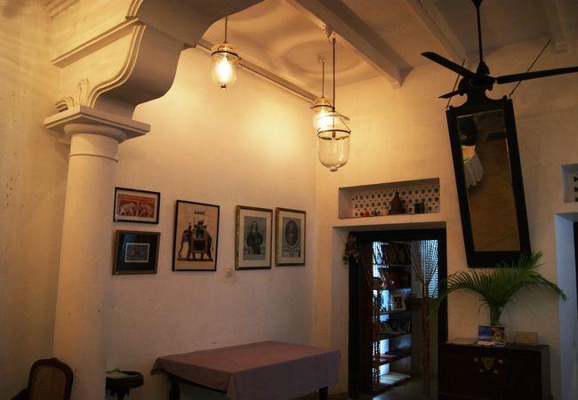 「ママズ ル―フ カフェ」は少々高いが、お勧めの出来るレストランである