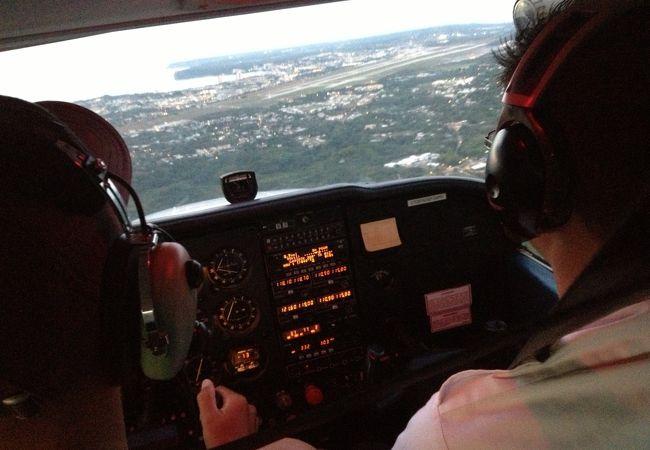 セスナ運転で上空からグアム島一周☆