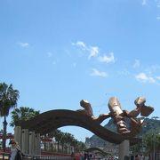 巨大なエビのシンボル