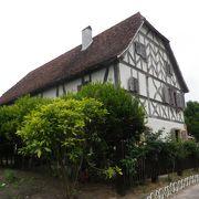 フランス東北部の大きな農家の家