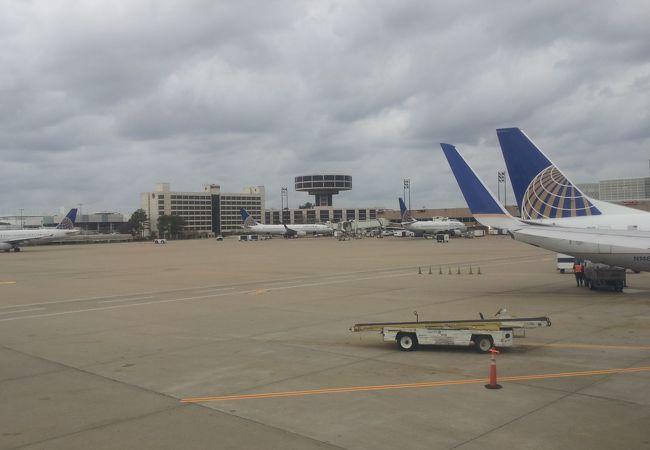 ジョージ ブッシュ インターコンチネンタル ヒューストン国際空港 (IAH)