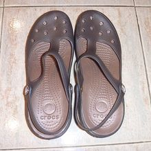 crocsも売ってるけど、どうもニセモノのような・・・