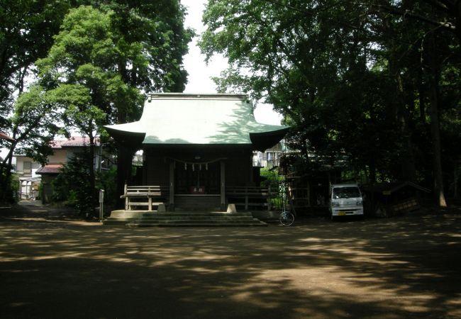 綾瀬のJAの向かい