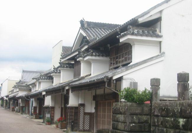 美しい脇町の卯建の街並