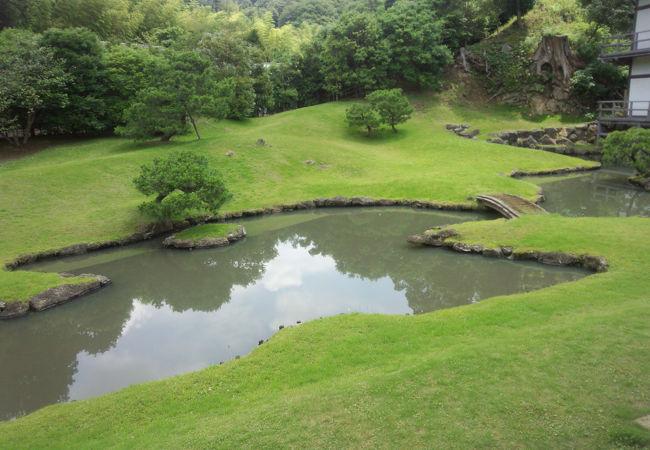 龍王殿の裏手に庭園