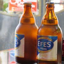暑いパムッカレではビールがおいしい。
