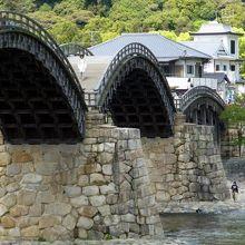 川原から橋の構造も見てくださいね