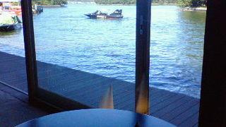 天橋立の運河を通る船と橋が回る瞬間を見ながらお食事