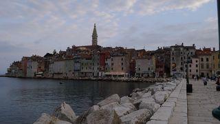 クロアチアの観光ポスターにも乗っているロヴィニイ、中世のまんまの世界が息づいています