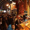 エジプシャンバザールの周辺にもお店が広がっています