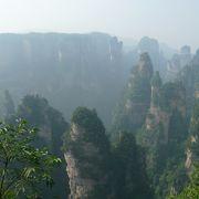 目の前に広がる奇岩の風景が素晴らしい