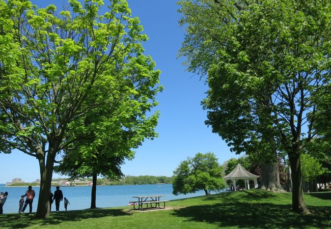 オンタリオ湖畔の公演