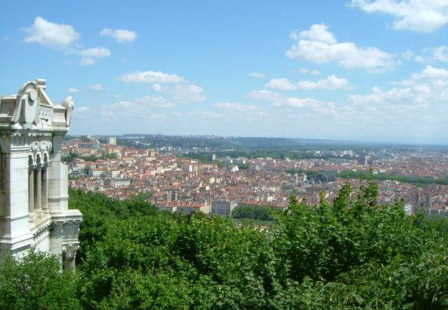 フルヴィエールの丘