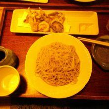 天ぷらが少しさみしいです