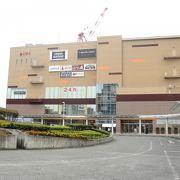 沼津駅北口。映画館の入ったショッピングビル。