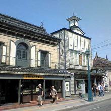 建物もお店の中も小樽の伝統が感じられます。