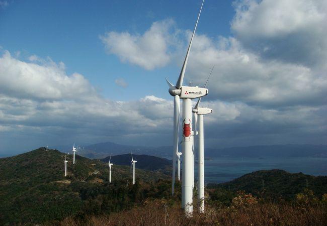 全国有数の巨大風車群