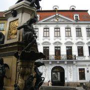 銀行家が立てた宮殿