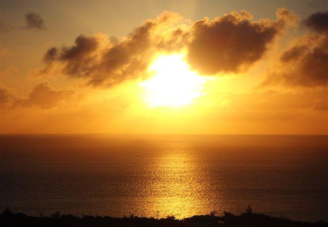 おいしいジェラートと素晴らしい夕日が堪能できました。