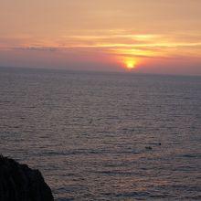 水平線に沈む夕日が見られるスポット