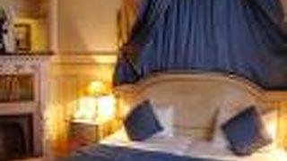 ホテル アンリ 4