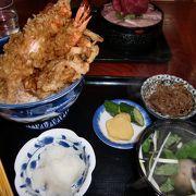 絶品のかき揚げとバラ寿司