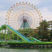 リーズナブルな遊園地と花まつり<桜やつつじ>で有名な公園です。