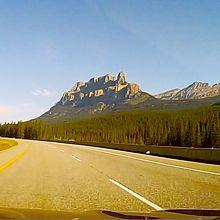 車窓から見るキャッスル山