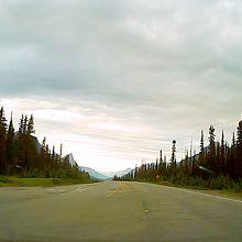 ボウ峠(アイスフィールドパークウェイの標高が一番高いところ)