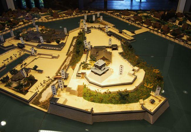 かつての丸岡城を髣髴させます