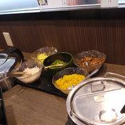 ホテルニュー奄美内のレストラン。朝食バイキングで利用
