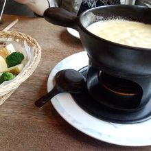 ピッツァ・チーズ料理の店 美砂家