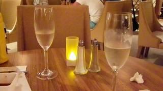 シャンパンも飲み放題のレストラン