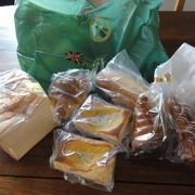 パン売り場が広い。