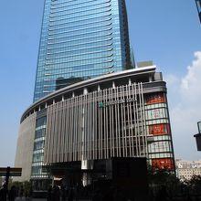 大阪駅北口の再開発スポット