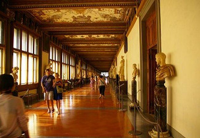 内部の廊下ですら、雰囲気良いです
