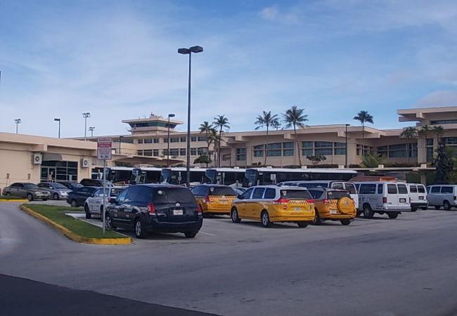 空港の遠景